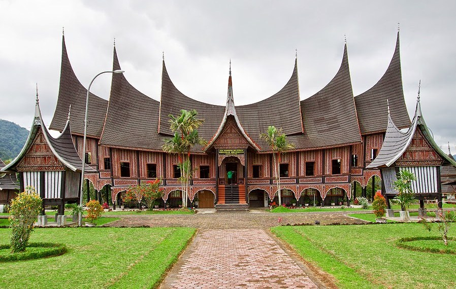 8 Rumah Adat Paling Populer Di Indonesia