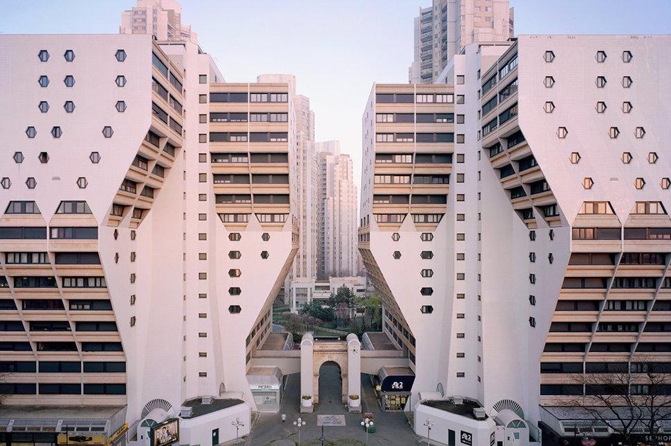 Arsitektur Post Modern Les Orgues de Flandre