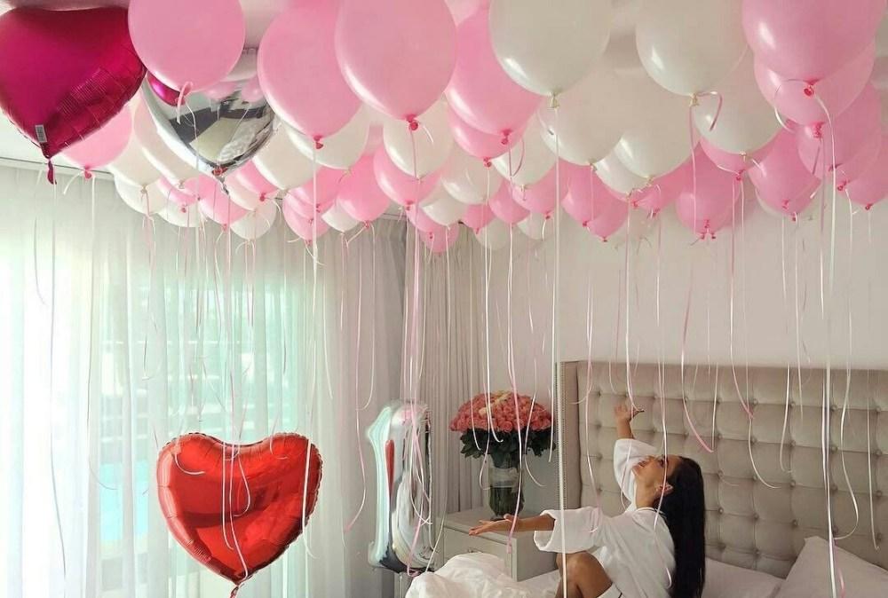 7 ide dekorasi ulang tahun dewasa paling romantis for Dekor kamar hotel ultah