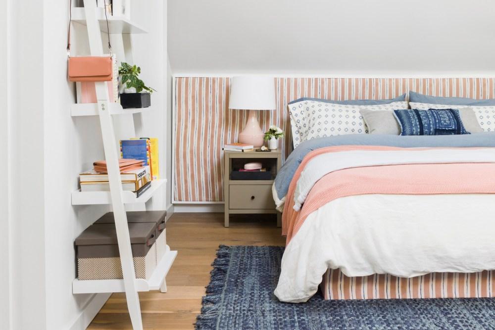 Cara menghias kamar sendiri dengan dekorasi headboard