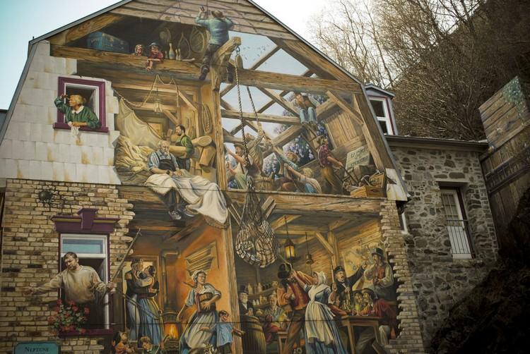 Gambar mural di Fresque du Petit-Champlain