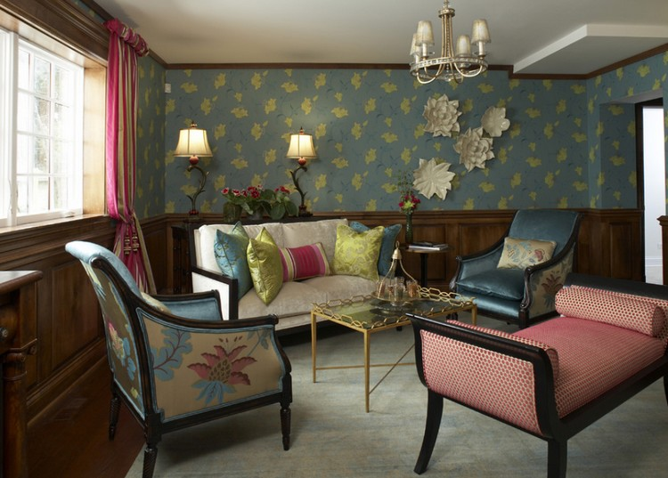 Lis plafon kayu untuk interior vintage