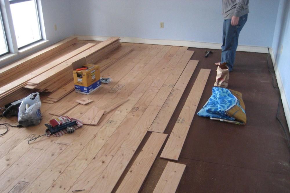 Memasang kayu multipleks