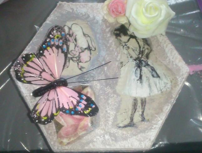 warsztaty decoupage'u Leszno Dwie Babeczki pudełko z różami i motylem