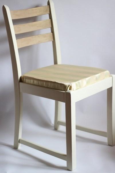 krzesło tapicerowane farby kredowe