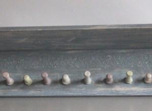 drewniana półka shabby chic odnawianie mebli