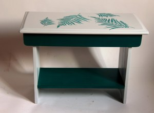 stołek z otwieranym siedziskiem