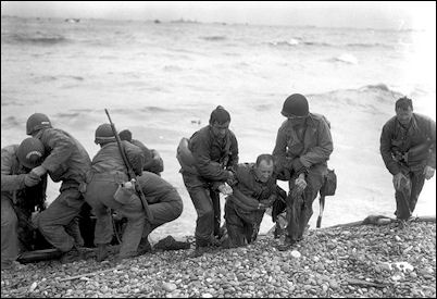 d-day-invasion-omaha-help