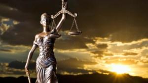 justicia dorada