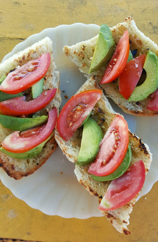 Avocado Tomato Garlic Bread; Delalicious