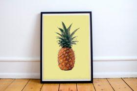 Poster ananas met gele achtergrond