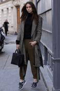 coat-turtleneck-sweatpants-low-top-sneakers-tote-bag-watch-large-7969 lookastic
