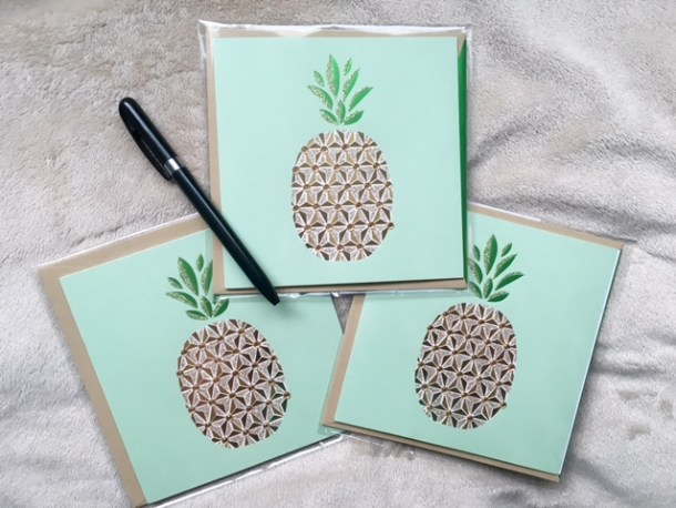 hallmark-pineapple-cards