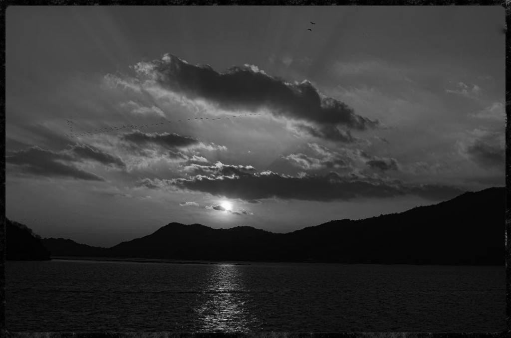 Sunset on Miyajima Island - Nikon D7000 Nikkor AF-S 35mm 1.8G   Del Cook Photography