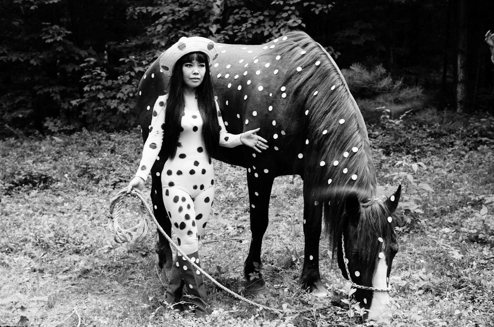 Yayoi Kusama, Horse play Happening Woodstock, 1967