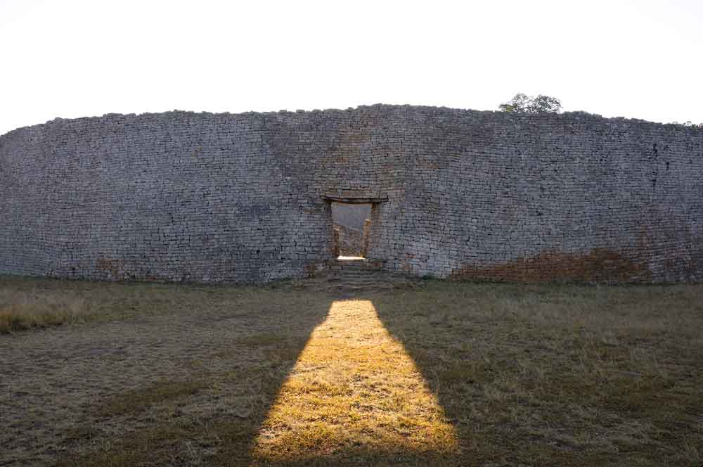 The ruins of Great Zimbabwe | source: Andrew Ashton/flickr, CC BY-NC-ND