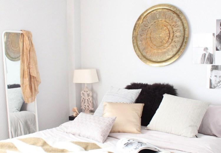 diseño y decoración de un dormitorio y un baño