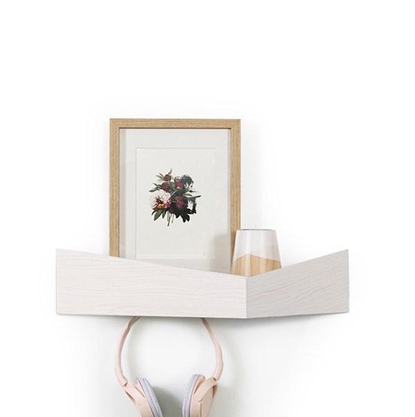 by Estanter/ía y Perchero de Pared Elegante Sencillo y Muy Funcional Blanco, Grande Balda Original de Forma Triangular con Almacenamiento y Ganchos Ocultos WOODENDOT Pelican