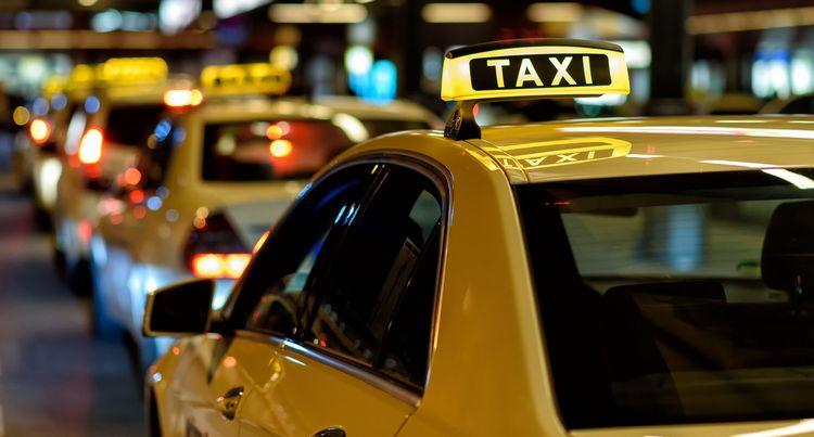 Cara mendapatkan lisensi taksi dari awal di wilayah Moskow sendiri secara gratis. 5 langkah. (Ini juga beroperasi di Moskow)