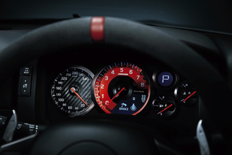 600-hp-nissan-gt-r-nismo-officially-reveal-photo-gallery-1080p-8