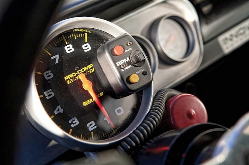 ob_6b8405_1966-shelby-gt350h-race-car-under-the-hammer-phot