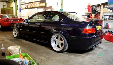 BMW E46 Swap V10 M5 …Tueuse de pneus !garage
