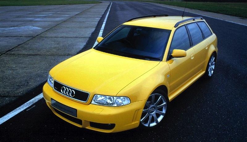 Audi RS4 the originaljaune