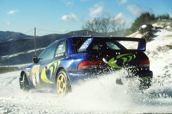 555-subaru-impreza snow rear
