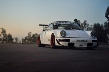 DLEDMV_Porsche_964_RWB_Donut_003