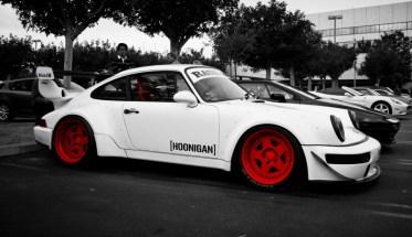 DLEDMV_Porsche_964_RWB_Donut_006