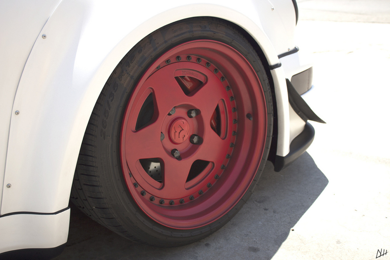 DLEDMV_Porsche_964_RWB_Donut_007