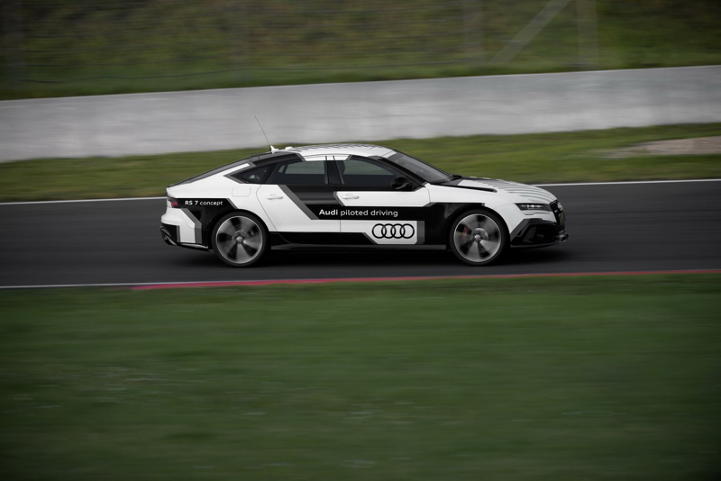 DLEDMV_Audi_PilotedDrivingConcept_RS7_002