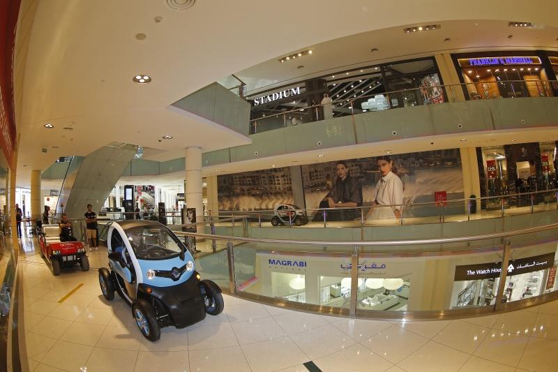 DLEDMV_Renault_Twizy_Drift_Dubai_03