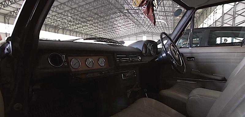 DLEDMV Mercos W114 Black On Air03