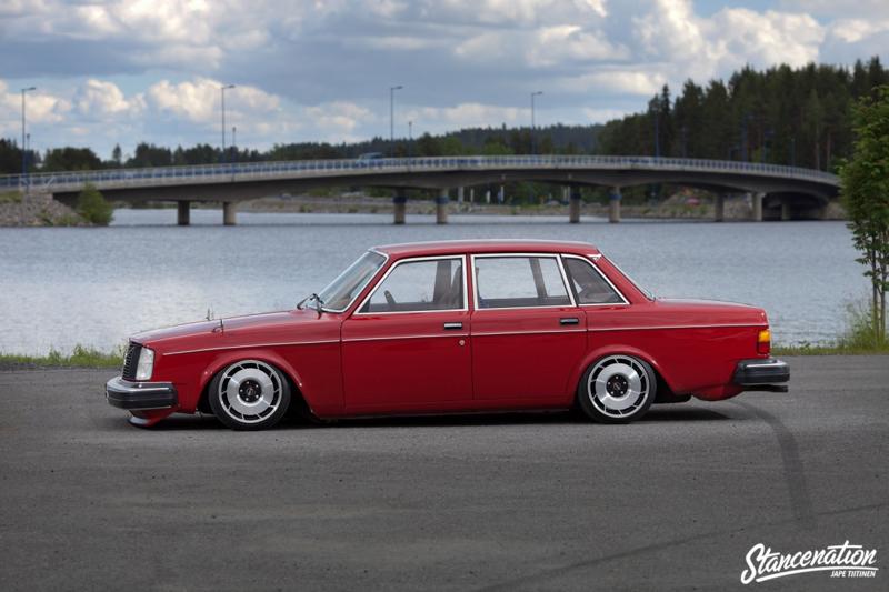 DLEDMV_Volvo_240_Swap2JZGTE_01