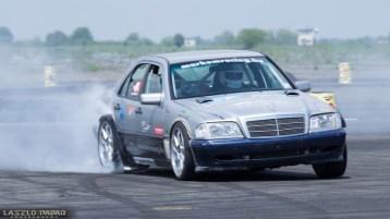 DLEDMV Mercedes classe C W202 swap V12 04