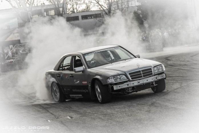 DLEDMV Mercedes classe C W202 swap V12 09