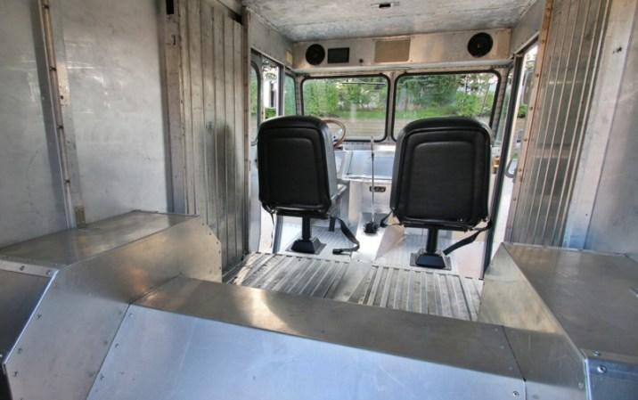 DLEDMV - Chevy P10 Step Van V8 LSX - 09