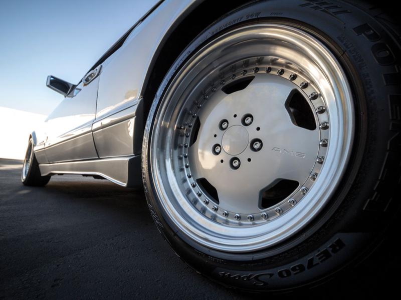 DLEDMV - Mercedes 560 SEC AMG Grey - 12