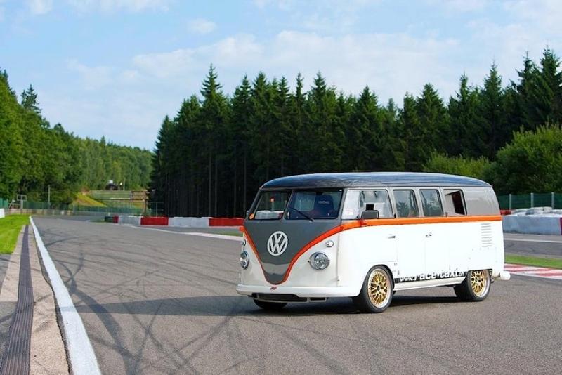 Race-Taxi : Le VW Combi biturbo ! 3