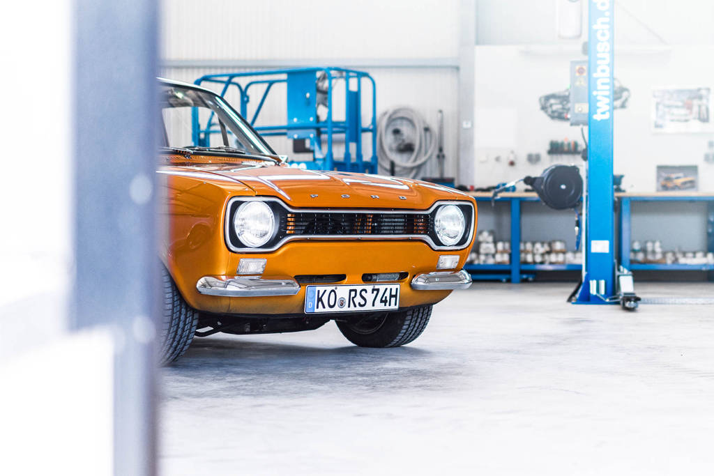 DLEDMV - Ford Escort RS2000 MK1 Restomod -12
