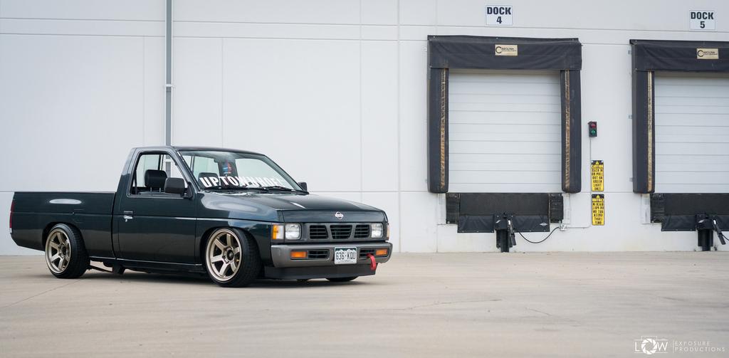 DLEDMV - Nissan D21 Stance -04
