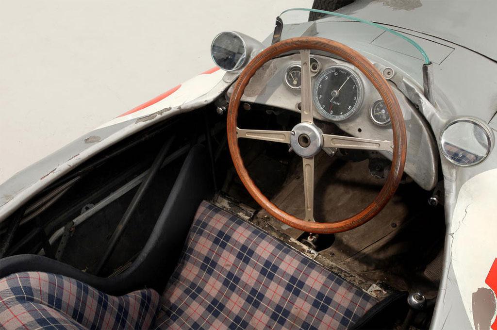 dledmv-evolution-of-f1-steering-wheels-01