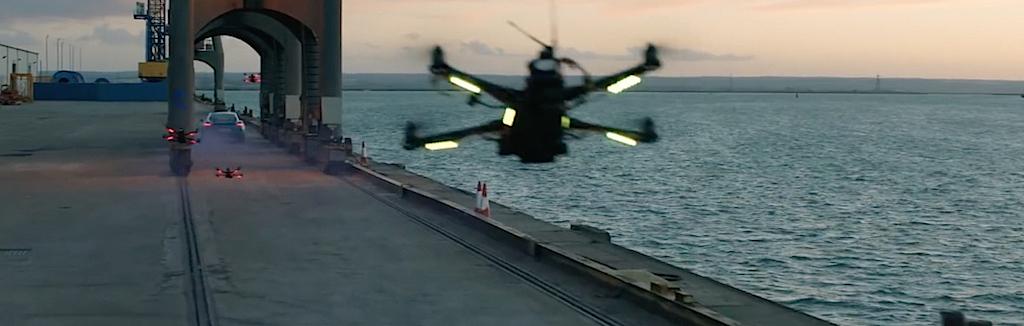 dledmv-porsche-cayman-vs-drone-01
