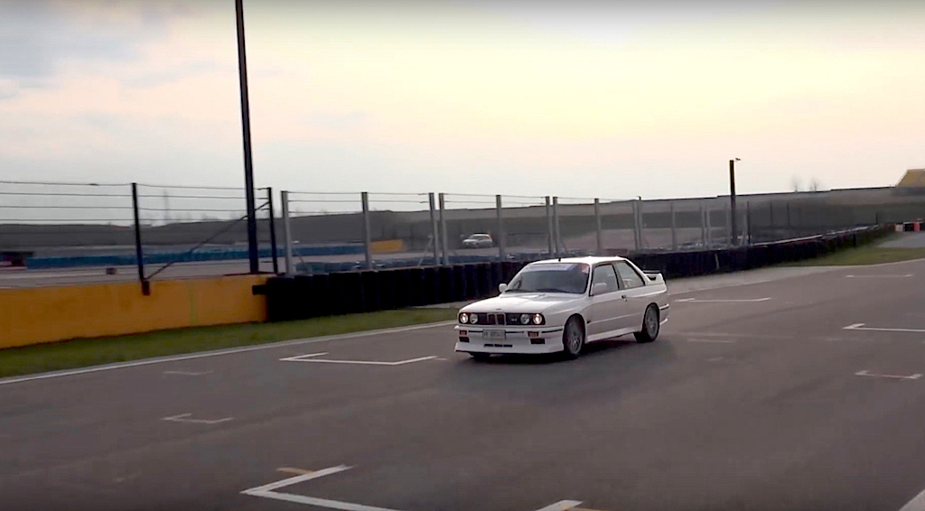 Embarquez en BMW M3 E30 sur son territoire... 13