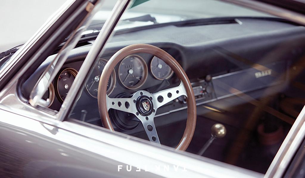 '68 Porsche 911 T Custom... London Outlaw ! 36