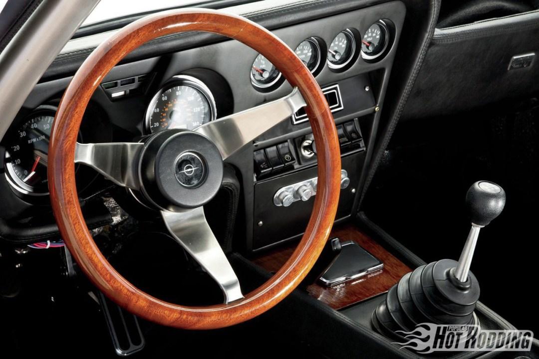 Opel GT... En V8, elle n'a jamais autant ressemblé à la Corvette ! 35