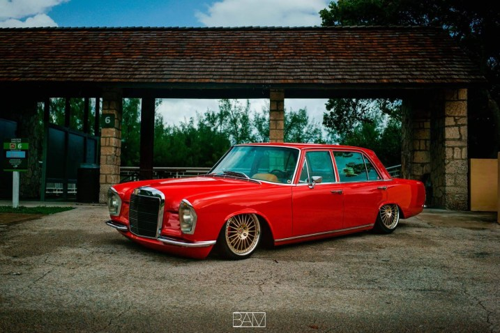 DLEDMV - Red bagged Benz W108 - 14