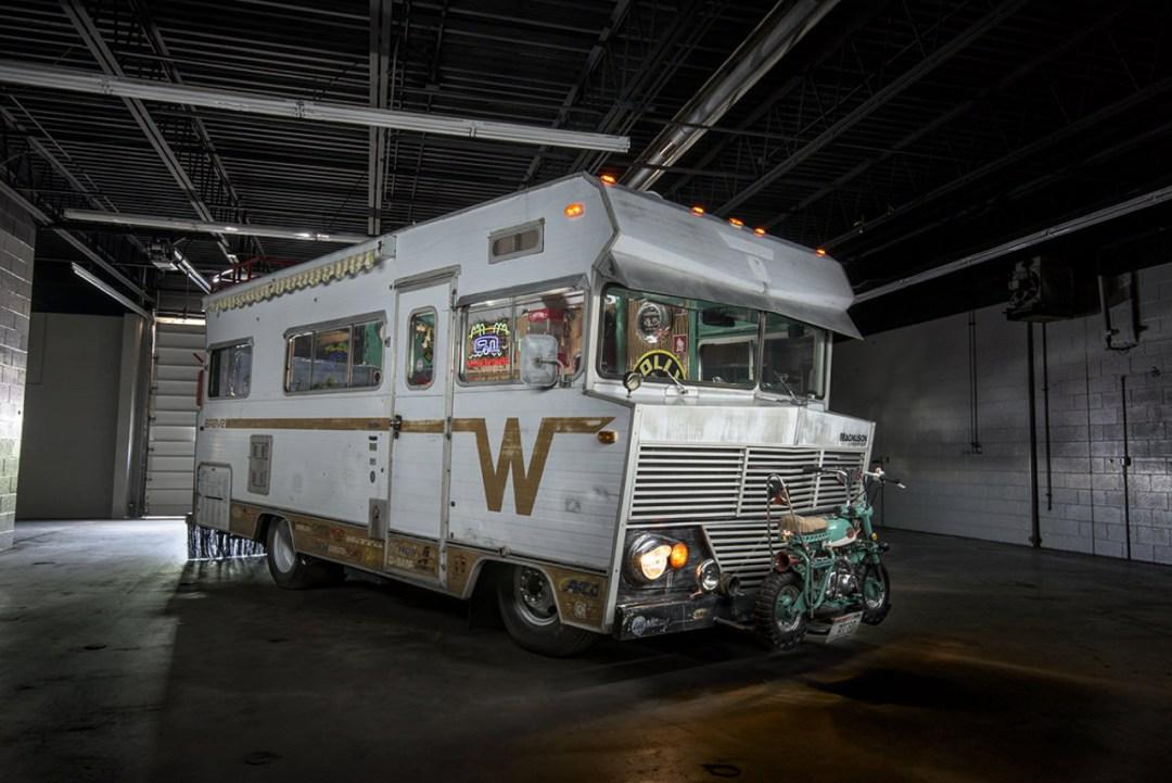 '72 Winnebago Brave revu par les Ringbrothers... 900 ch dans le camping car ! 22