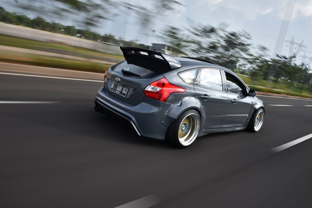 Ford Focus WideBody - Sobre et efficace... 35